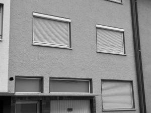 PF-Weiherberg, Kapitalanleger u. Großfamilien willkommen! Top renoviertes 3-Fam.-Haus mit Garage für Euro 470.000,00